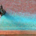 「カポーカポーカポー」小屋に木霊するポンプ音|バターミルクペイントとターナーのミルクペイントの違い